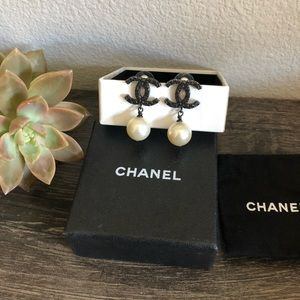 {Chanel} Black Camellia Classic CC Pearl Earrings